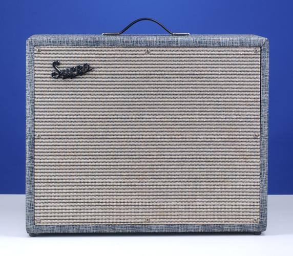 Thunderbolt Bass-Guitar Amp Model S6420 Guitars | Fretted