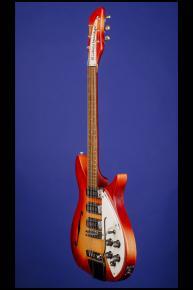 1967 Rickenbacker 325 (three pickups with vibrato)